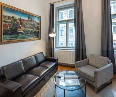 Byt k pronájmu - Praha 1 - Staré Město, 2+kk