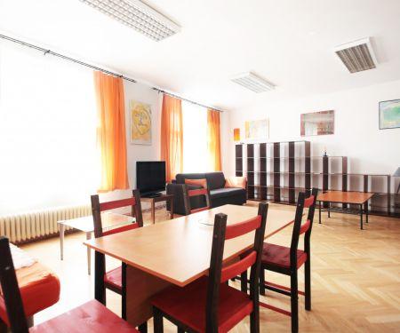 Byt k pronájmu - Praha 6 - Střešovice, 2+kk
