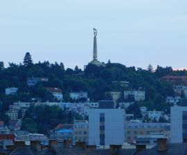 Byt k pronájmu - Bratislava, 3+kk